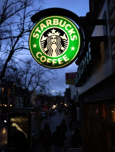 'Starbucks'_sign,_Botanic_Avenue