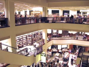 Barnes_&_Noble_Interior