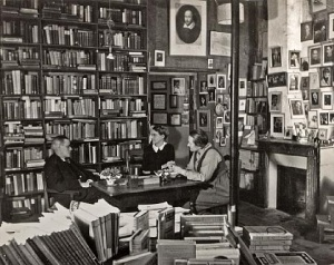 gisèle-freund-james-joyce-with-adrienne-monnier-and-sylvia-beach-in-shakespeare-and-co.-book-shop
